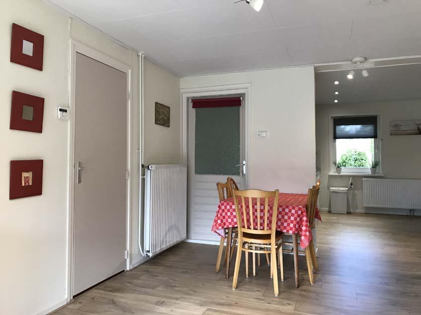 Huiskamer - zicht naar woonkeuken
